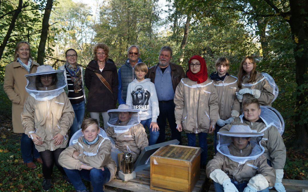 Gesamtschüler werden zu Bienen-Experten
