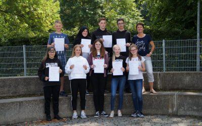 Gesamtschüler schließen DELF-Prüfung ab